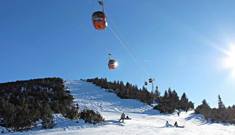 borovets-skiing-bulgaria-2