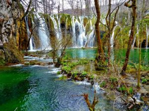 Plitvice-Lake-Beauty1-560x420